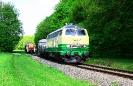218 396-0 drückt den Zug zum Alu-Werk rein. 294 792-7 wartet (23.04.2018)